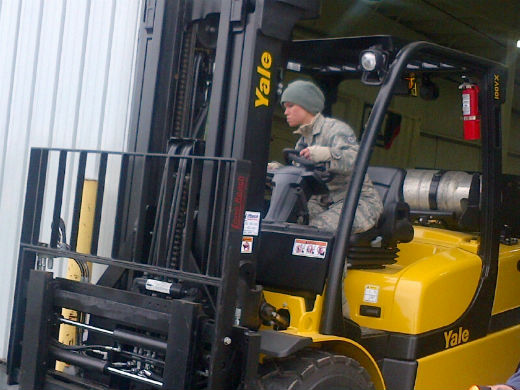 understanding forklift controls: learn the basics here - be ...